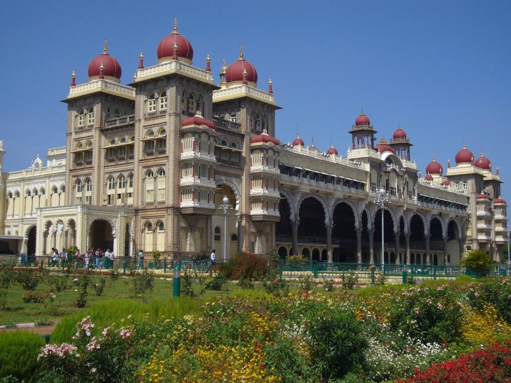 mysore-palace-outside