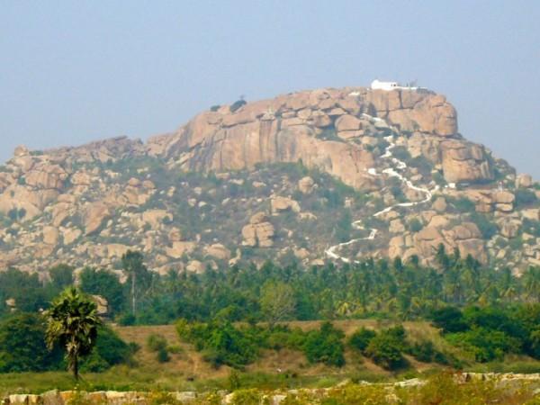 hampi-hanuman-temple