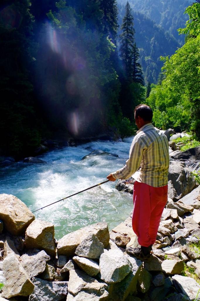 kaschmir-trekking-naranagh-fishing