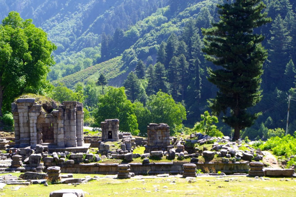 kaschmir-trekking-naranagh-hindutempel-ruinen