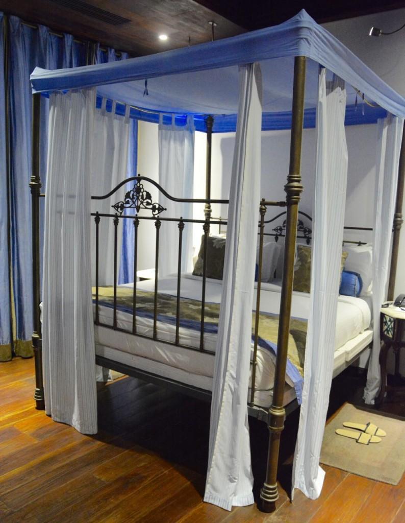 LeDupleix_Hotel_Bed