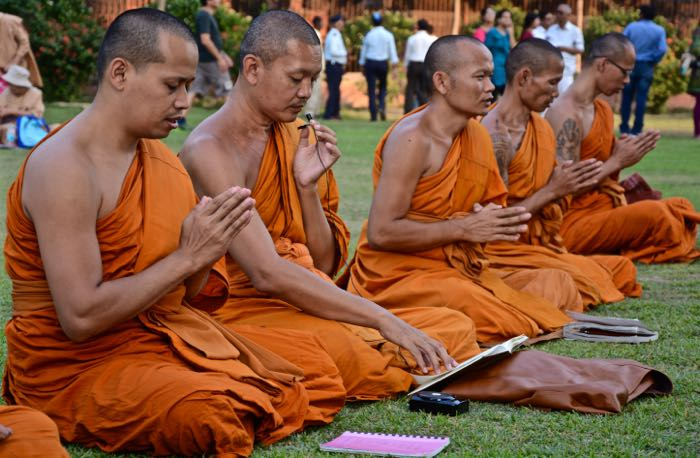 Sarnath_Monks_Singing