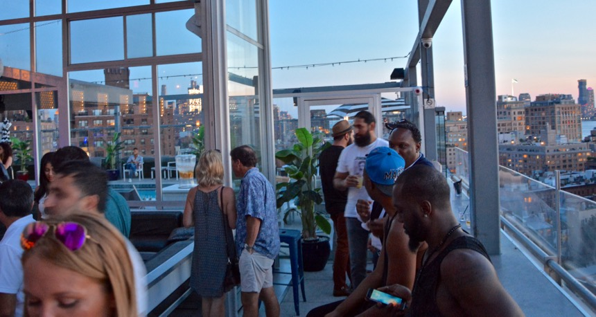 Rooftop Bars in New York hotelgansevoort-theplunge-1