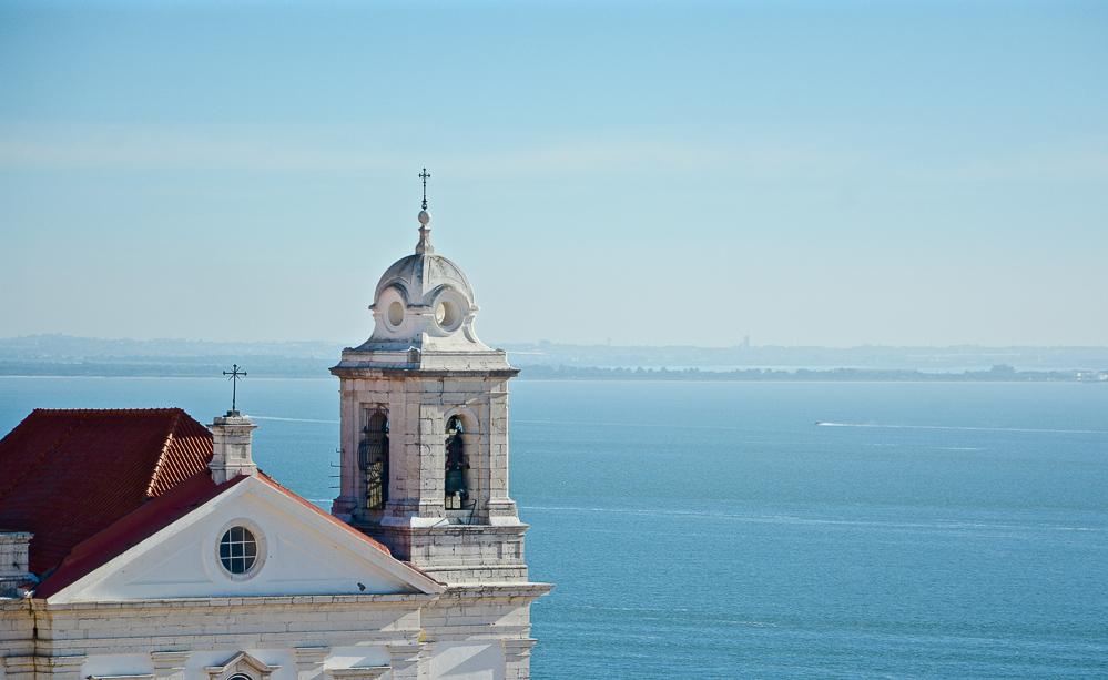 Portugal Lissabon Städtetrip Reiseblog Traveling the World Alfama Kirche Tejo