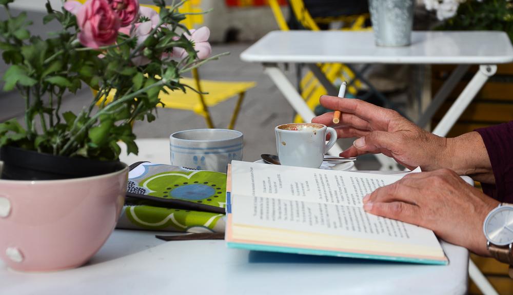 Bücher Bucket Liste 2018 Büchertipps Reisen Stockholm Södermalm Frau