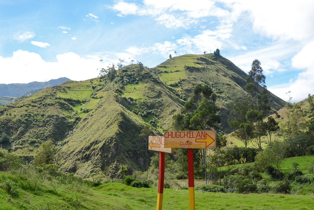 Traveling the World Ecuador Wandern Quilotoa Loop Anden Signposts